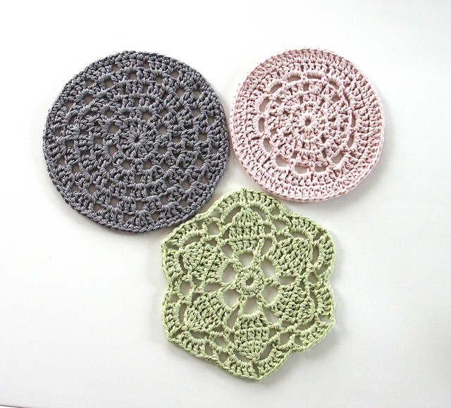 Crocheted table mats