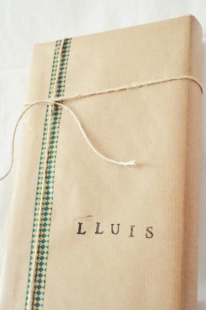 cómo envolver un regalo para un chico (2)