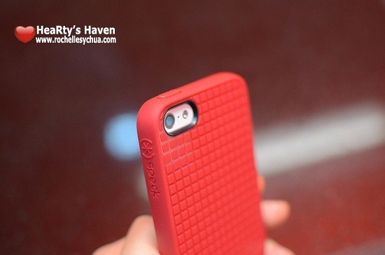 Speck PixelSkin HD camera