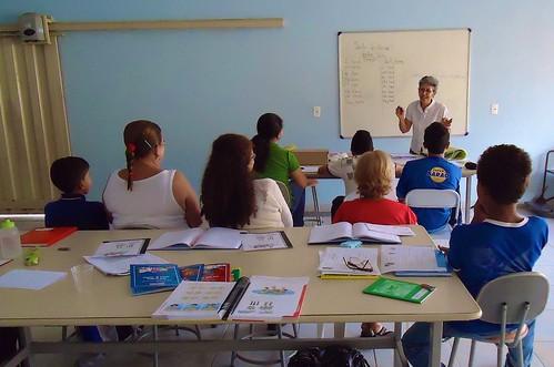 Elenice Natal de Lima SSL teaching a literacy class