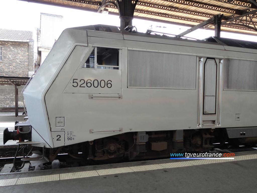 Vue de la cabine paire d'une locomotive électrique BB26000 Alstom synchrone bi-courant