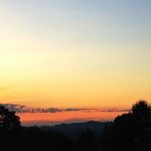 mountains sunrise smoky nofilter knoxvilletn uploaded:by=flickstagram instagram:venue_name=farragut2ctennessee instagram:venue=7181977 instagram:photo=277299308615699498170002