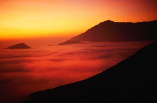 film nature clouds sunrise indonesia java slide seaofclouds tropicalsunrise bestcapturesaoi elitegalleryaoi