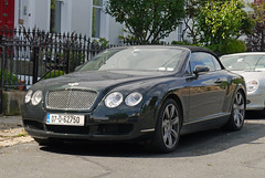 bentley continental flying spur(0.0), automobile(1.0), automotive exterior(1.0), bentley continental supersports(1.0), executive car(1.0), wheel(1.0), vehicle(1.0), performance car(1.0), automotive design(1.0), bentley continental gtc(1.0), bentley continental gt(1.0), bumper(1.0), personal luxury car(1.0), land vehicle(1.0), luxury vehicle(1.0), bentley(1.0), coupã©(1.0), convertible(1.0),