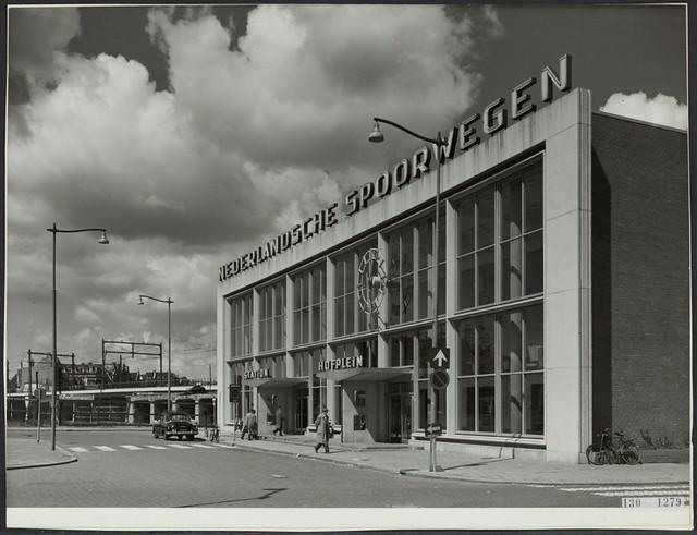 Station Hofplein - Sybold van Ravesteijn