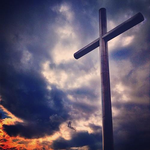 Croce #cross #prayer #church #clouds #jesus #prayer #sky #sun #iphonography #iphoneonly #instamood #instagramers #instagramhub #air