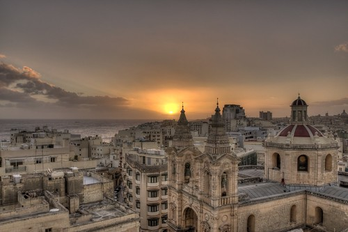 sun sunrise cloudy malta d90 blinkagain