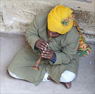 Image of Mehrangarh near Jodhpur. rajasthan inde jodhpur musicien mehrangarh rajpout rajput shehnai dalbera musiqueindienne sahnai