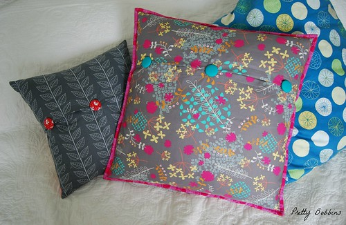 dare to dresden cushion back