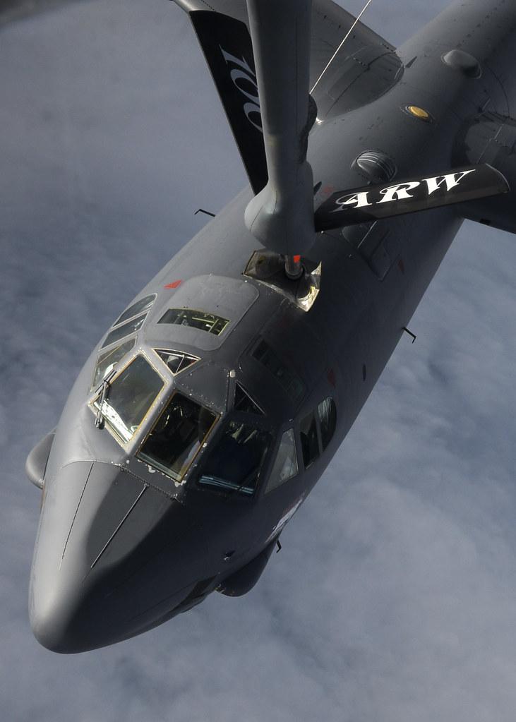 52 Photos 37 Reviews: B-52H Stratofortress