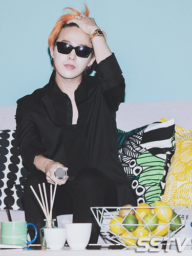 G-Dragon - Airbnb x G-Dragon - 20aug2015 - SSTV - 06