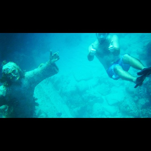 We swam with #Jesus! Apparently that walking on water trick didn't work out so well for him here.  Can't wait to share all the video we took. @justinplayswithballs even swam with a school of fish. #epic #bucketlist #thebigchill13 #keylargo #pennekamp #chr