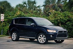 automobile, sport utility vehicle, wheel, vehicle, compact sport utility vehicle, mitsubishi outlander, mitsubishi, land vehicle,