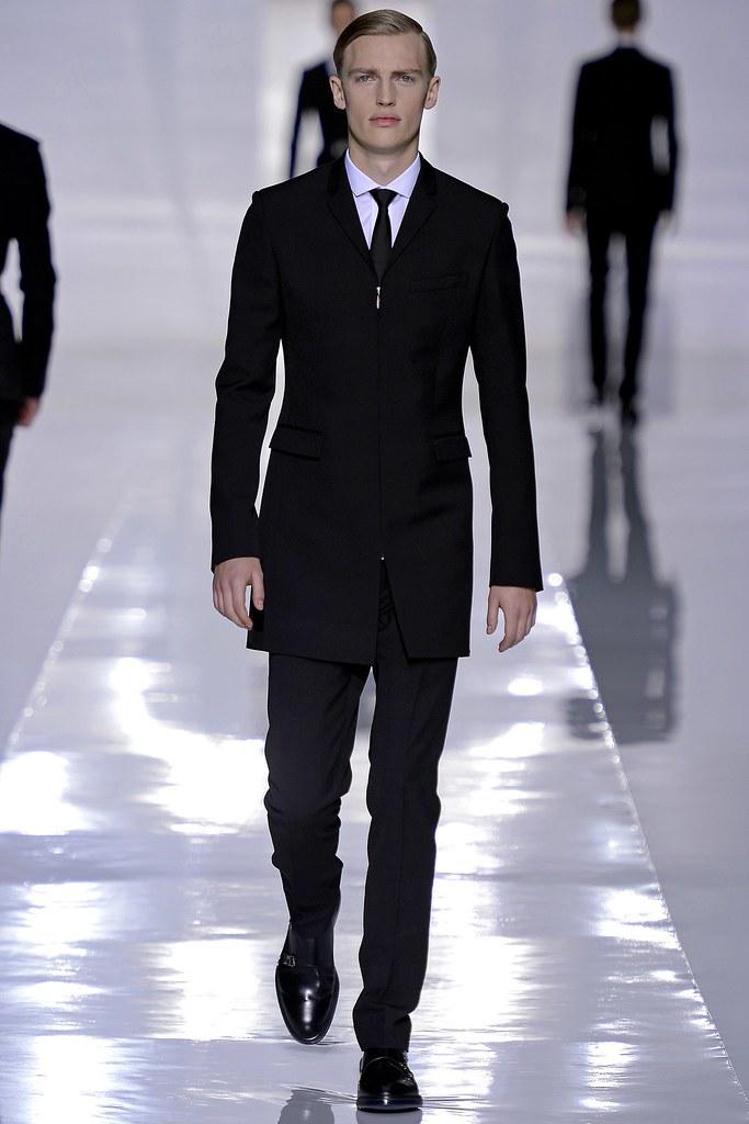 FW13 Paris Dior Homme003_Victor Nylander(GQ.com)