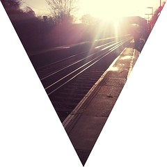 #sunny #sun #bright #morning #station #platform #platformone #chelsfield