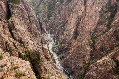 usa rock river nationalpark colorado stream dragon unitedstates earth reptile spires deep canyon cliffs erosion v scales getty gorge walls geology crawford steep chasm gunnison blackcanyon otherworldly fractured