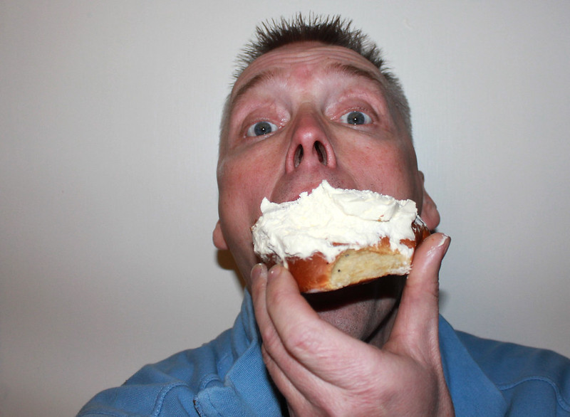How to eat a Semla