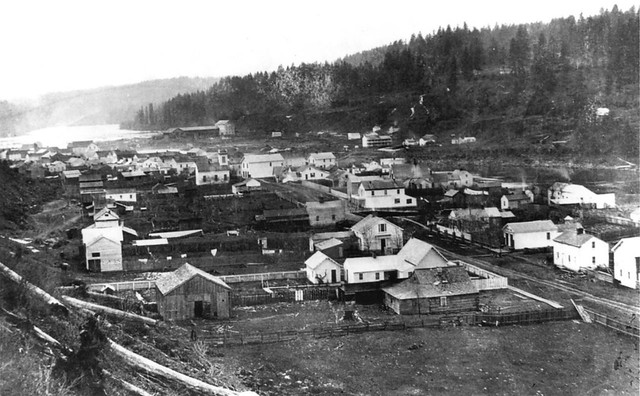 Lorenzo Lorain photograph of early Oregon City