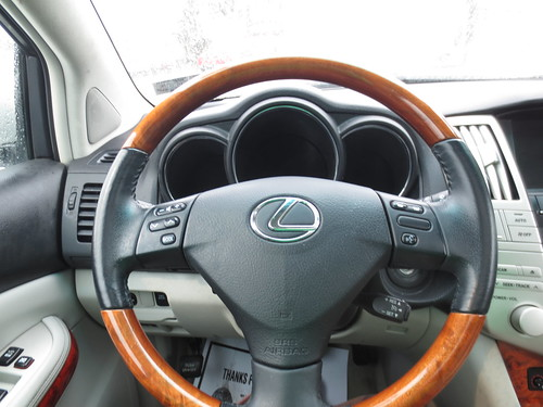 Wood Steering wheel, Luxury at its finest.