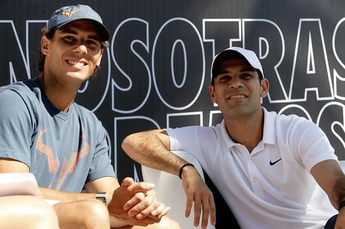 Donan 150 mil pesos a fundaciones de Rafa Nadal y Rafa Márquez #NosotrasCorremos