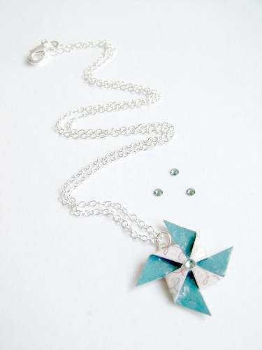 Origami-Pinwheel-Necklace