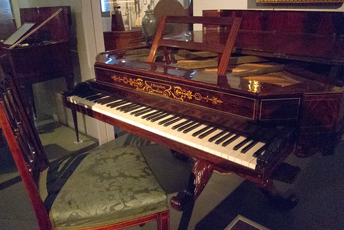 Worms piano