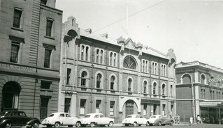 Currie Chambers, Currie Street, 1954
