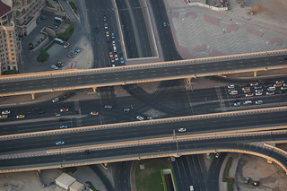 Grande intersection au pied de la Burj Khalifa Tower