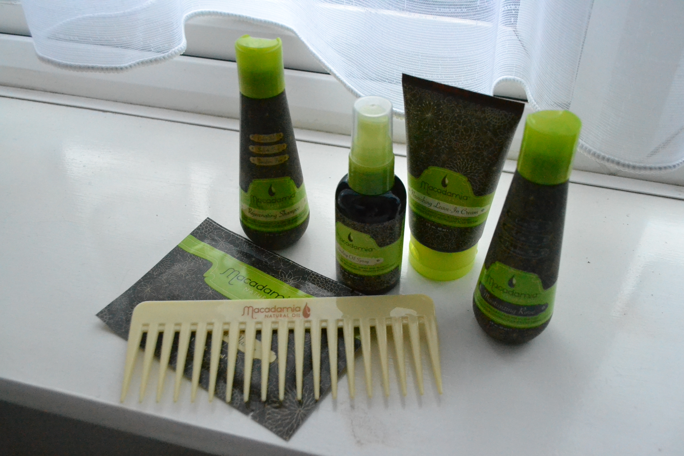 daisybutter - UK Style and Fashion Blog: macadamia haircare travel set, travel essentials