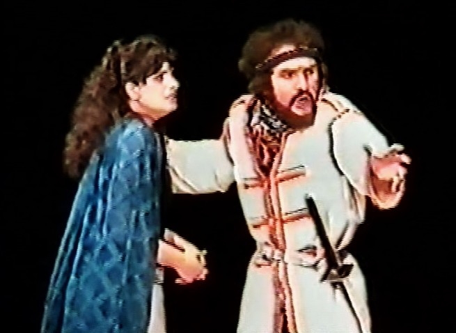 classic theatre international Alexander Barnett Macbeth tour Macbeth and Lady Macbeth (Ashley March)