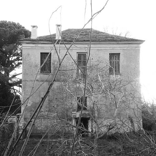 Εγκατελειμένο Αρχοντικό, Πορταριά... by Dimitris Amountzas