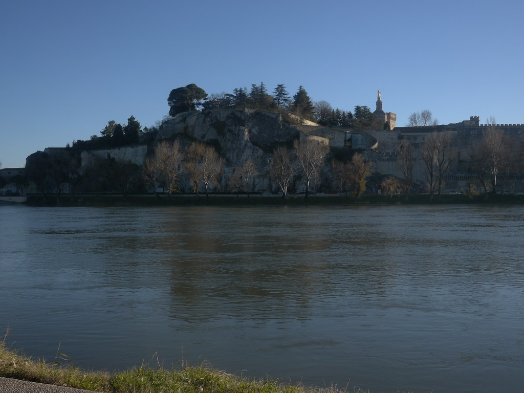 related image - Rocher des dômes - Avignon - 2013-01-03- P1520529