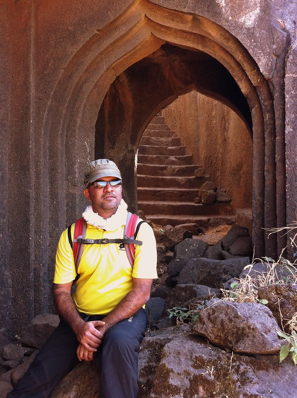 Resting a while at Hadsar fort