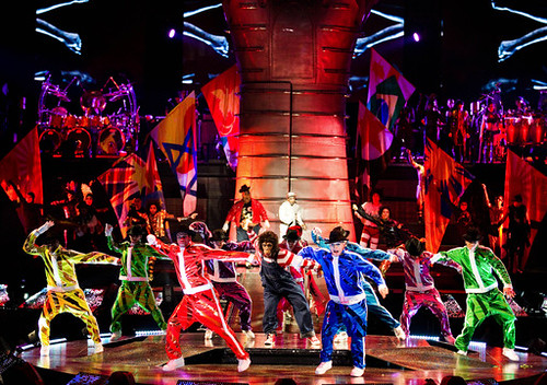 MegaMix-act-from-Michael-Jackson-THE-IMMORTAL-World-Tour-Cirque-du-Soleil-md