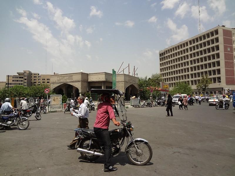 Fotografia dos Táxis-Moto em Teerão, Irão