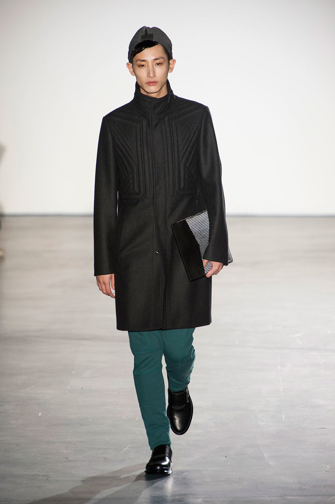 FW13 Paris Wooyoungmi026_Lee Soo Hyuk(fashionising.com)