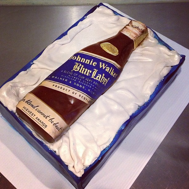 Johnnie Walker Blue Label Cake http://www.flickr.com/photos/yahairamorlas/8456183097/