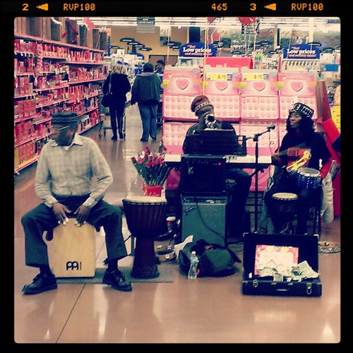 Oh, the things @genmae5 and I stumble onto like this trio playing African music in Newport Kroger