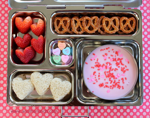 PlanetBox Valentines Day lunch