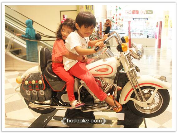 8483336309 44b0bf9c60 z Rempit  nak Harley Davidson