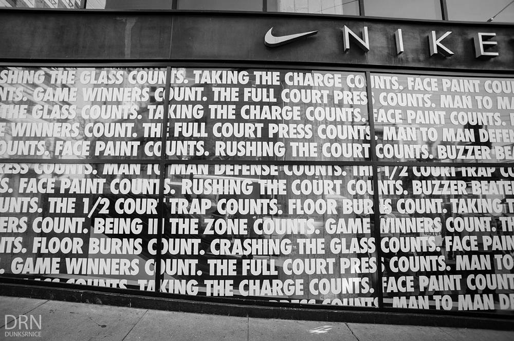 Nike B&W.