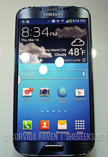 Samsung Galaxy S4 (front)