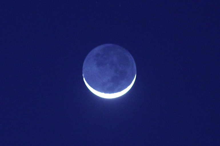 web_moon_earthshine_0010