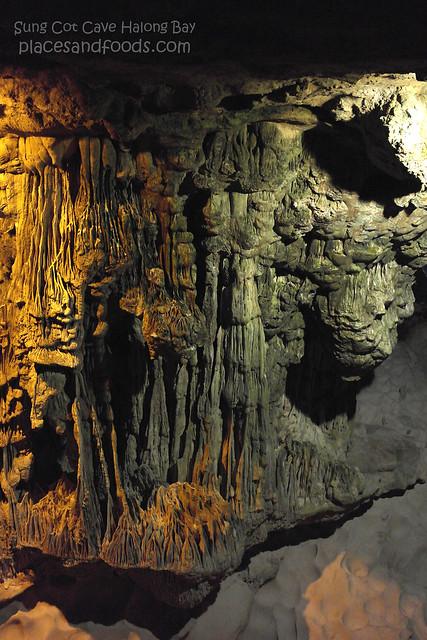 sung cot cave halong bay 7