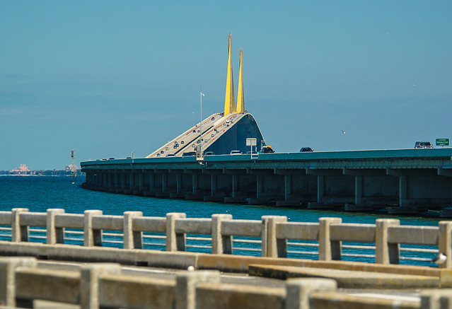 Old and new sunshine skyway bridge perspective flickr for Sunshine skyway fishing pier