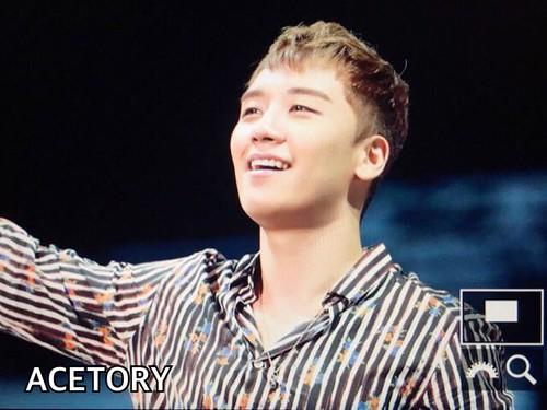 BIGBANG FM Beijing Day 2 2016-07-16 Seungri (1)