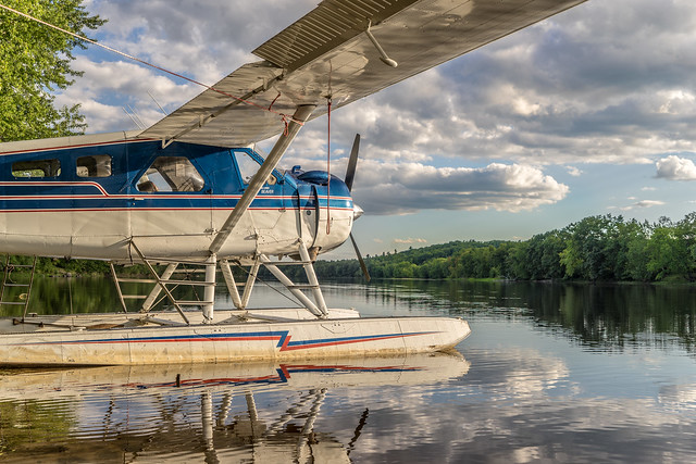 DeHavilland DHC-2 on floats in Maine