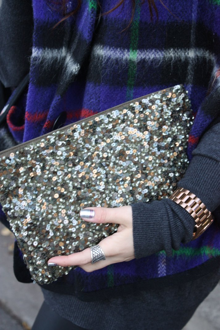 SF Bay Area Fashion and Lifestyle Blog: plaid cape, sequin zara clutch