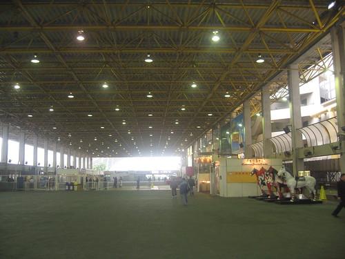 沙田馬場の最寄り駅からの入場門