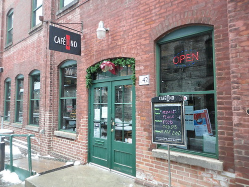Cafe Uno, pizza in distillery, patio in distillery, wireless internet in distillery, free wifi